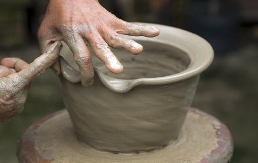 テラコッタ鉢の作製作業