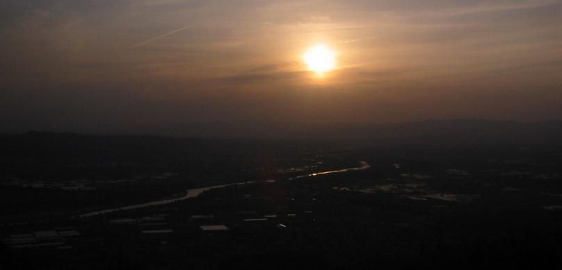 万灯呂山の夕日