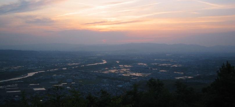 万灯呂山の夕景