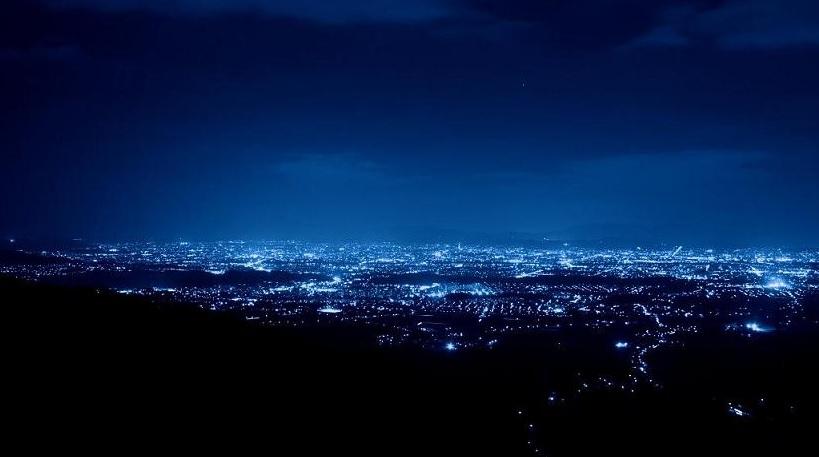 京都市で最も美しいポンポン山の夜景を堪能
